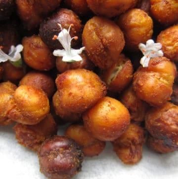 Easy Crunchy Oven Roasted Cumin Chickpeas