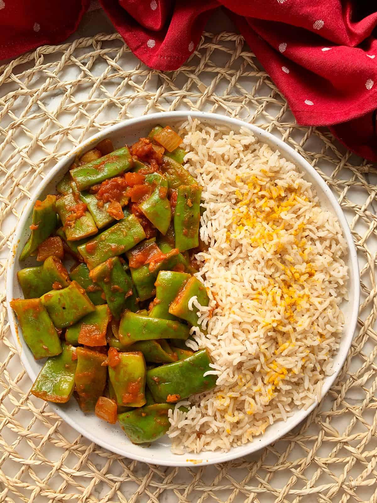 loubieh in a white plate