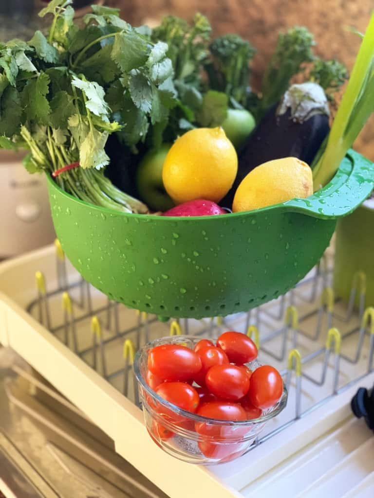 washing vegetable and fruit to air dry