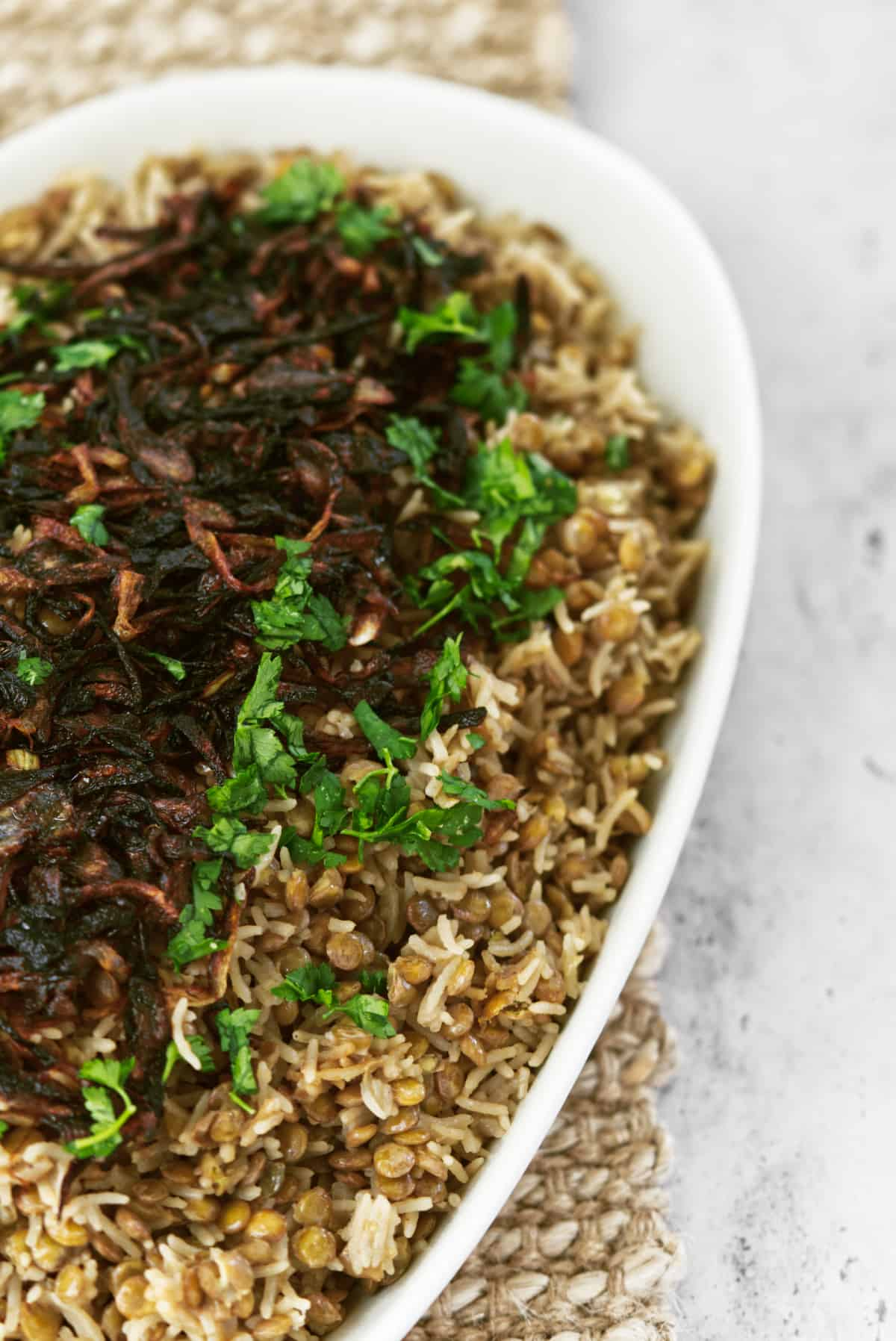 mujadara up close topped with caramelised onions
